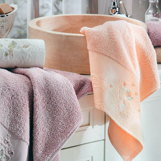 Подарочный набор полотенец для ванной La Villa NADINE хлопковая махра 50*90, 70*140 (тёмно-розовый)