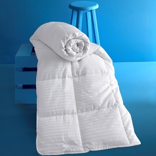 Одеяло Karna VIA микрогель/страйп-сатин 155х215