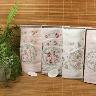 Полотенце для ванной в подарочной упаковке Pupilla ECE бамбуковая махра розовый