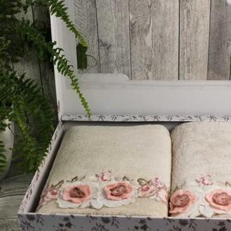 Набор полотенец для ванной в подарочной упаковке 2 пр. Pupilla ANEMON бамбуковая махра белый
